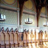 Plenarsaal: das alte Gestühl wurde aufgearbeitet. © 2007 BBL M-V