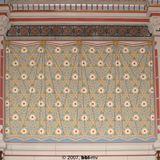 Plenarsaal: nach einer alten Postkarte konnte die Wandverkleidung nach historischem Vorbild restauriert werden (Fa. Mannewitz). © 2007 BBL M-V