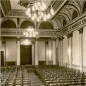 Historische Aufnahme von 1959: der Goldene Saal im damaligen  Haus der Deutsch-Sowjetischen Freundschaft . © 2009 Betrieb für Bau und Liegenschaften Mecklenburg-Vorpommern