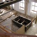Bau des neuen Treppenhauses mit Aufzugschacht im bestehenden Gebäude © 2010 Betrieb für Bau und Liegenschaften Mecklenburg-Vorpommern