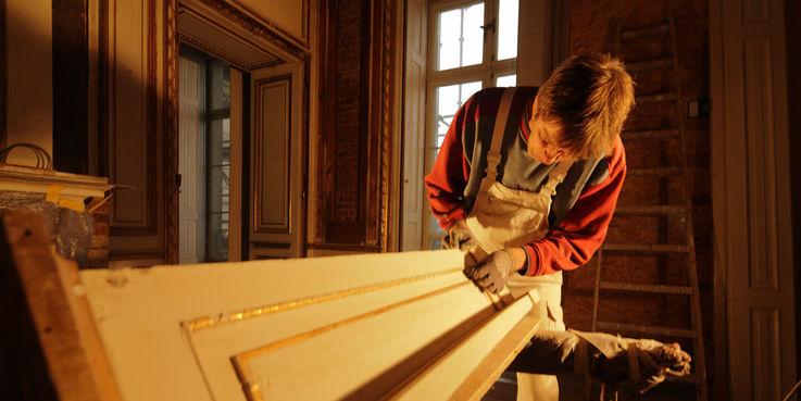 Wandverkleidung und Türen werden aufbereitet. © 2014 Betrieb für Bau und Liegenschaften Mecklenburg-Vorpommern