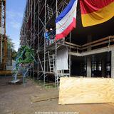 Herr Müller  Mitarbeiter der Stahlbaufirma Schindler  verliest den Richtspruch. © 2014 Betrieb für Bau und Liegenschaften Mecklenburg-Vorpommern