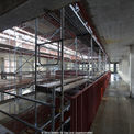 Blick in das 4. Obergeschoss des Bibliothek-Rohbaus mit der über alle Geschosse offenen Galerie. © 2014 Betrieb für Bau und Liegenschaften Mecklenburg-Vorpommern