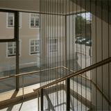 lichtdurchflutetes Treppenhaus mit großflächiger Verglasung © 2015 Betrieb für Bau und Liegenschaften Mecklenburg-Vorpommern