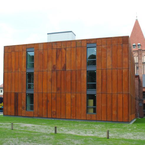 Ansicht des Neubaus Grundbuchamt © 2015 Betrieb für Bau und Liegenschaften Mecklenburg-Vorpommern