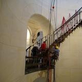 Der erste Treppenlauf muss aufwendig abgestützt werden  bevor Stufen ausgebaut werden können. © Lutz Grünke  Binz