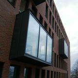 6 Carrels an den Gebäudelängsseiten der Bibliothek ragen aus der Fassade und beherbergen 12 Einzelarbeitsplätze © 2016 Betrieb für Bau und Liegenschaften Mecklenburg-Vorpommern