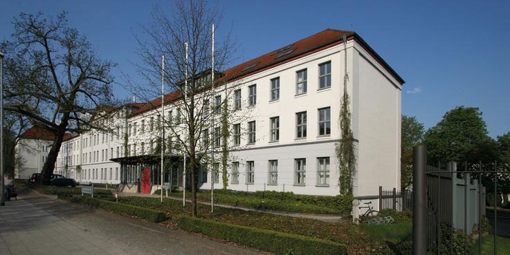 In der Werderstraße 4 ist der bbl-mv - Geschäftsbereich Schwerin untergebracht. Die Aufgaben des Staatlichen Hochbaus für das Land und den Bund in MV sowie die Bewirtschaftung aller Landesdienststellen werden von hier aus erledigt. © 2013 Betrieb für Bau und Liegenschaften Mecklenburg-Vorpommern