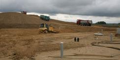 Die Arbeiten zur Sanierung der Schadstoffdeponie Brandshagen-Neuhof liefen. Zwischenzeitlich sind die Arbeiten abgeschlossen. © 2014 Betrieb für Bau und Liegenschaften Mecklenburg-Vorpommern
