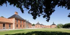 Mit dem 5. Realisierungsabschnitt wurde die Schlossanlage Bothmer zu einer touristischen Basisstruktur ausgebaut. Aus Mitteln des Europäischen Fonds für regionale Entwicklung kamen 9 5 Millionen Euro. Insgesamt wurden ca. 13 4 Millionen Euro investiert. © 2017 Betrieb für Bau und Liegenschaften Mecklenburg-Vorpommern