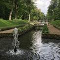 Es sprudelt nur so aus ihm heraus: ein Mönch im Großen Kanal im Schlosspark. © 2018 Betrieb für Bau und Liegenschaften Mecklenburg-Vorpommern