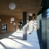 Hörsaalgebäude  Foyer im Erdgeschoss © 2016 Betrieb für Bau und Liegenschaften Mecklenburg-Vorpommern