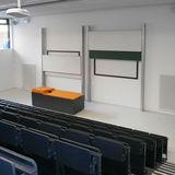 Einer der beiden kleinen Hörsäle im Unter-/Erdgeschoss © 2016 Betrieb für Bau und Liegenschaften Mecklenburg-Vorpommern