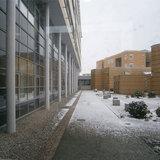 DZ 7 Nordfassade mit Blick auf den 1. Bauabschnitt des Klinikums © 2013 Betrieb für Bau und Liegenschaften Mecklenburg-Vorpommern