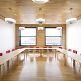 Blick in einen Besprechungsraum des Karrees (Büro/Konferenz/Kantine) © Marion Schmiedling/ Alexander Obst