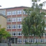 Blick auf die alte noch unsanierte  Fassade des Verwaltungstraktes © 2017 Betrieb für Bau und Liegenschaften Mecklenburg-Vorpommern