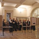 Das Preisgericht bei der Arbeit - mehr als fünf Stunden nahm sich die Jury Zeit um alle Entwürfe zu würdigen und einen Sieger zu küren. © 2017 Betrieb für Bau und Liegenschaften Mecklenburg-Vorpommern