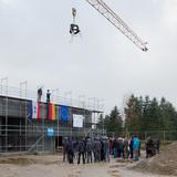 Der Richtspruch wurde von Henry Mell von der Firma bsb Malchin verlesen. © 2017 Betrieb für Bau und Liegenschaften Mecklenburg-Vorpommern