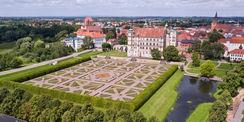 Luftaufnahme Schloss und Schlossgarten im August 2017 © 2017 Jörn Tirgrath  Röbel/Müritz