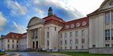 Das Landgericht am Demmlerplatz in Schwerin unmittelbar hinter dem Dokumentationszentrum. © 2019 Betrieb für Bau und Liegenschaften Mecklenburg-Vorpommern