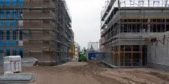 Ab durch die Mitte. Das E-Technikum (rechts) entsteht in unmittelbarer Nähe zum Neubau für das Institut für Chemie (links). © 2020 Staatliches Bau- und Liegenschaftsamt Rostock