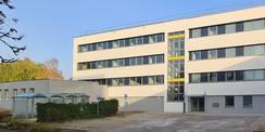 Ostseite mit dem Haupteingang  links der Anbau der Wache © 2020 SBL Neubrandenburg