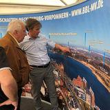 In der Pagode des BBL M-V auf dem MV-Tag. Die Bauprojekte des Landes und des Bundes in der Hanse- und Universitätsstadt Rostock sind auf dem Banner markiert. © 2018 Stefan Bruhn  Schwerin