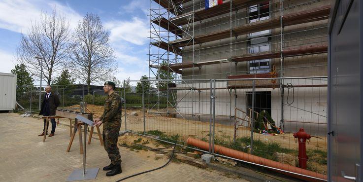 Unterkunftsgebäude in der Ernst-Moritz-Arndt-Kaserne wurde gerichtet © 2018 Betrieb für Bau und Liegenschaften Mecklenburg-Vorpommern