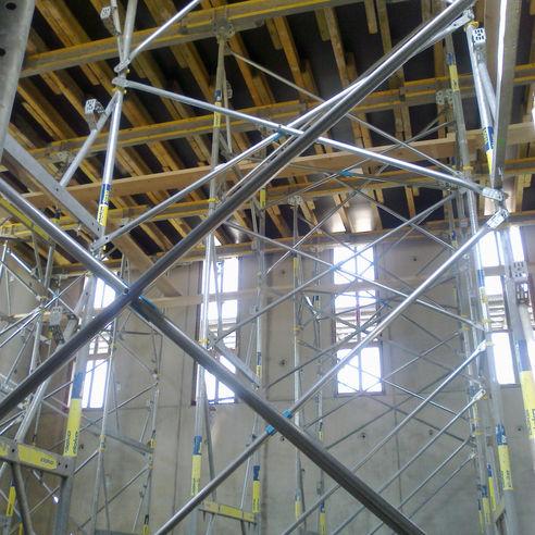 Gerüst  Abstützung und Verschalung für die Arbeiten im Innern des Rohbaus. © 2018 Betrieb für Bau und Liegenschaften Mecklenburg-Vorpommern