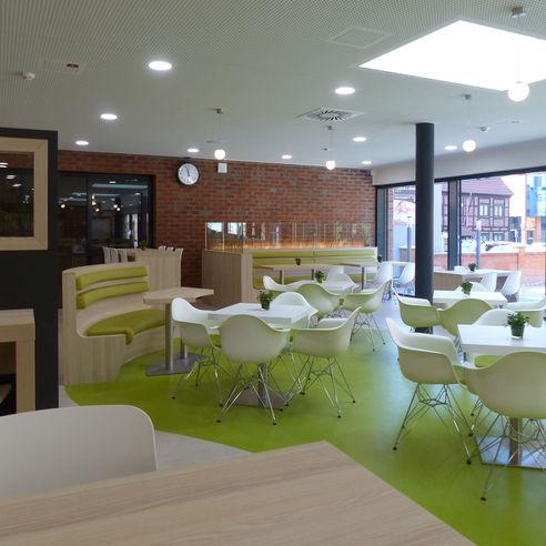 Cafeteria Ins Grüne lädt zum Speisen und Verweilen ein © 2018 Betrieb für Bau und Liegenschaften Mecklenburg-Vorpommern