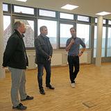 v.l.n.r.: Der Architekt Herr Andreas Baier  Dezernent SM 2 Herr Ralf Niendorf und Herr Prof. Dr. Oliver Krämer von der HMT während der Technischen Übergabe. © 2019 Betrieb für Bau und Liegenschaften Mecklenburg-Vorpommern