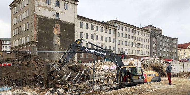 20.2.2019 - Die Fundamente des Anbaus werden entnommen und das Areal für die Kampfmittelsondierung vorbereitet. © 2019 Betrieb für Bau und Liegenschaften Mecklenburg-Vorpommern