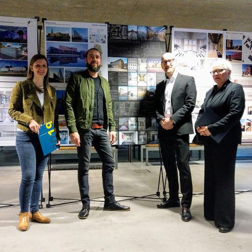 Bauherr und beauftragte Architekten bei der Preisverleihung am 14. März 2019 in Wismar. © 2019 Betrieb für Bau und Liegenschaften Mecklenburg-Vorpommern