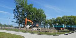 Die ersten Bagger rollen - das Baufeld wird vorbereitet  der Rohbau beginnt in Kürze. © 2019 Betrieb für Bau und Liegenschaften Mecklenburg-Vorpommern