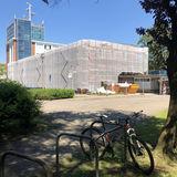 Das Turmgebäude ist bereits vor zwei Jahren saniert worden. Jetzt saniert der BBL M-V den Anbau. © 2019 Betrieb für Bau und Liegenschaften Mecklenburg-Vorpommern