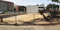 Die Baugrube ist vorbereitet im Mai 2019. © 2019 Betrieb für Bau und Liegenschaften Mecklenburg-Vorpommern