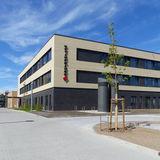 Ansicht von Südost - Zuwegung für gehfähige Patienten © 2019 Betrieb für Bau und Liegenschaften Mecklenburg-Vorpommern