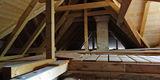 Im Spitzboden sind die Sanierungsarbeiten zwischenzeitlich abgeschlossen. © 2019 Betrieb für Bau und Liegenschaften Mecklenburg-Vorpommern