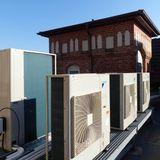 Blick auf die Rückkühler der Kälteanlagen auf dem Dach © 2018 Betrieb für Bau und Liegenschaften Mecklenburg-Vorpommern