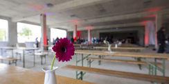 Im Rohbau des Neubaus Depots und Werkstätten in Schwerin bot der Bauherr BBL M-V im Sommer 2019 den Richtschmaus an. Seit dem 1. Januar 2020 ist das SBL Schwerin für das Bauprojekt verantwortlich. © 2019 Betrieb für Bau und Liegenschaften Mecklenburg-Vorpommern