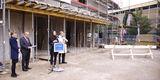 Carmen-Alina Botezatu leitet den BBL M-V Geschäftsbereich Hochschul- und Klinikbau und begrüßt hier die am Bau Beteiligten und Gäste des Richtfestes am 14. Oktober 2019. © 2019 Betrieb für Bau und Liegenschaften Mecklenburg-Vorpommern