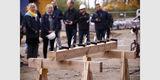 Hämmer  Nägel und Dachsparren stehen bereit - das Richtfest kann beginnen. © 2019 Betrieb für Bau und Liegenschaften Mecklenburg-Vorpommern