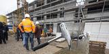 Hammer! Das Richtfest für den nachhaltigen Neubau fand am 10. März 2020 statt. © 2020 Christian Hoffmann  Finanzministerium Mecklenburg-Vorpommern