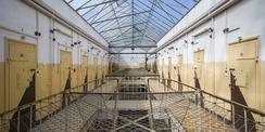 Behutsam sanieren und restaurieren - das Dokumentationszentrum im Justizzentrum am Demmlerplatz in Schwerin. © 2020 Staatliches Bau- und Liegenschaftsamt Schwerin