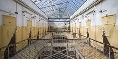 Glasdach über Gefängnisgang © 2020 Staatliches Bau- und Liegenschaftsamt Schwerin