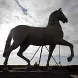 Pferdeskulptur auf dem Portal © 2020 SBL Schwerin
