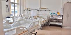 Blick in ein Patientenzimmer. © 2020 Universitätsmedizin Rostock