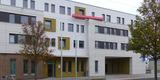 Besuchereingang und Hofzufahrt für die Dienstfahrzeuge © 2020 SBL Greifswald