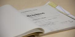 Wer schreibt  der bleibt. Rechte am Grundstück werden in das Grundbuch eingetragen. © 2020 Christian Hoffmann  FM M-V