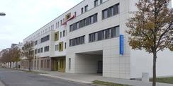 So präsentiert sich der Polizei-Neubau ab jetzt: modern  bürgernah und zeitgemäß auf historischem Traditionsstandort © 2020 SBL Greifswald